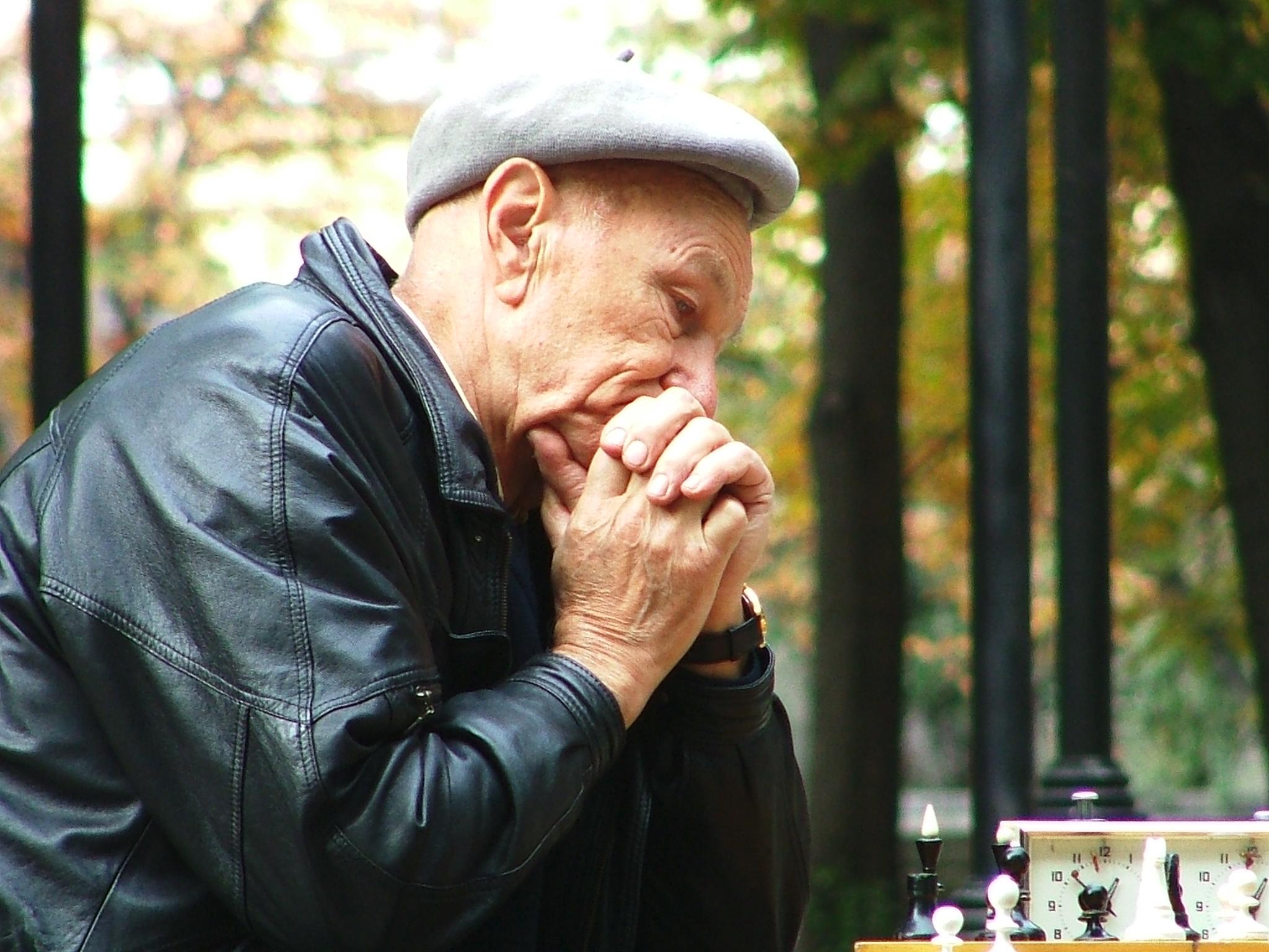 old-chessman-1313916